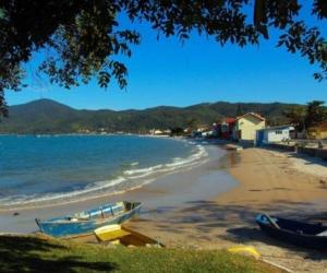 1e349-Praia-de-Bombinhas---Balneario-Camboriu