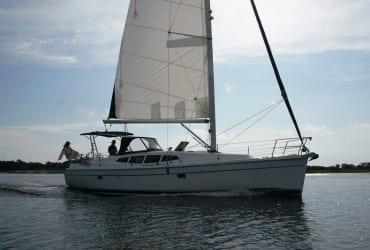 Maré Alta Charter, aluguel de barcos, lanchas, yachts e veleiros em Paraty
