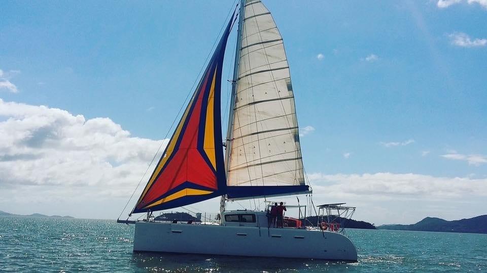 Maré Alta Charter, aluguel de barcos, lanchas, yachts e veleiros em Ilhabela.