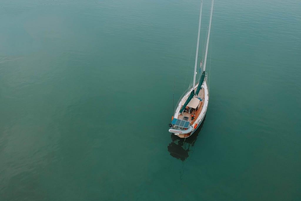Diferença entre barco e lancha