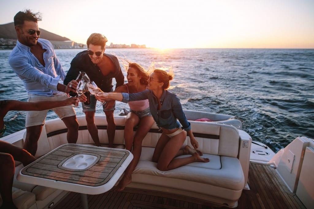 aluguel de barco para evento corporativo